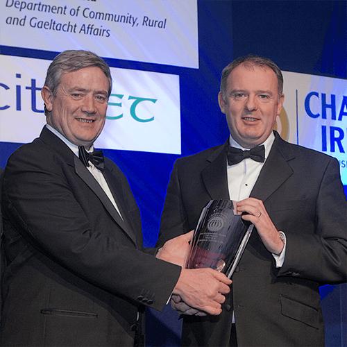 Gerry MaCaughey receives environmental award